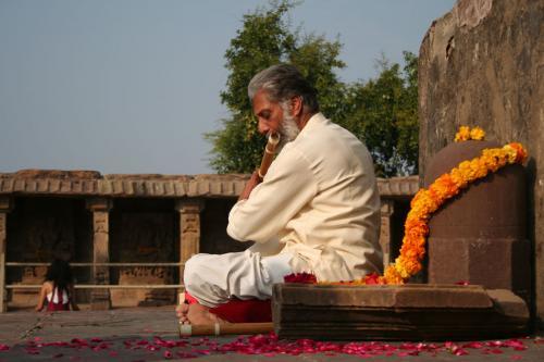 bheraghat tour 2008 swami ozen rajneesh 00003