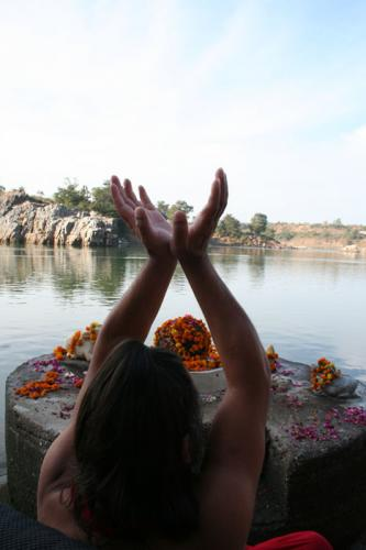 bheraghat tour 2008 swami ozen rajneesh 00016