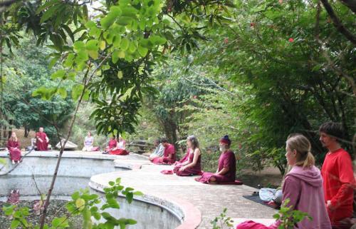 jabalpur tour 2008 swami ozen rajneesh 00854